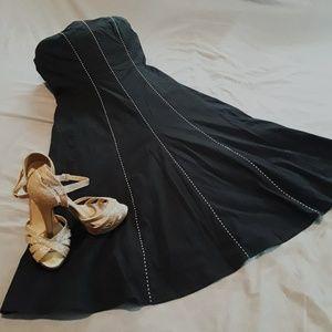 HOST PICK 🌺Vintage little black dress
